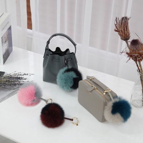 ┃DE MERIEL┃ POMPOM BAG CHARM4 colors