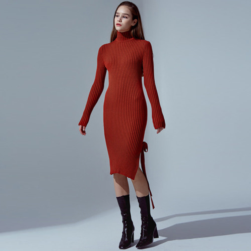 ┃HAEKIM┃ SIDE SLIT KNIT DRESS red