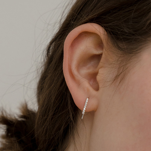 ┃NINETEEN TWO┃ WHITE CUBIC EARRING (SINGLE)silver,gold